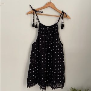 NWT old navy boho lace trim and tassels tank top